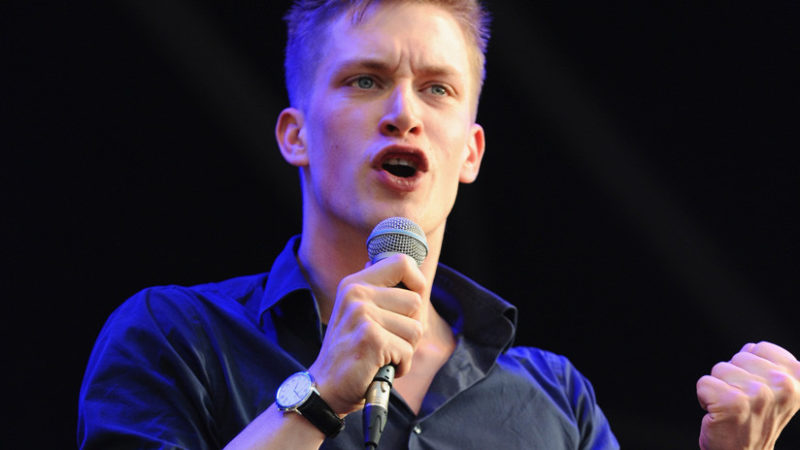 En 20 minutos, comediante escocés rompe 4.300 relaciones y causa 17 divorcios