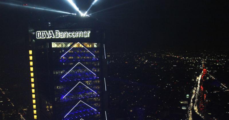 En pleno fin de quincena, con millones de clientes, falla el servicio móvil de Bancomer