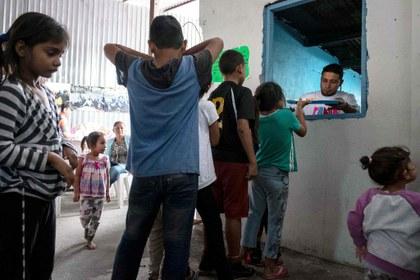 Tsunami de casi 65 millones de migrantes y refugiados desborda fronteras