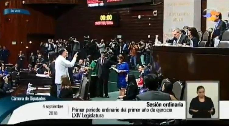"""Es usted un golpeador"": Muñoz Ledo a Fernández Noroña"