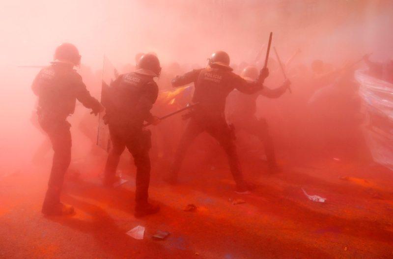 Al menos 24 heridos por enfrentamientos en Barcelona