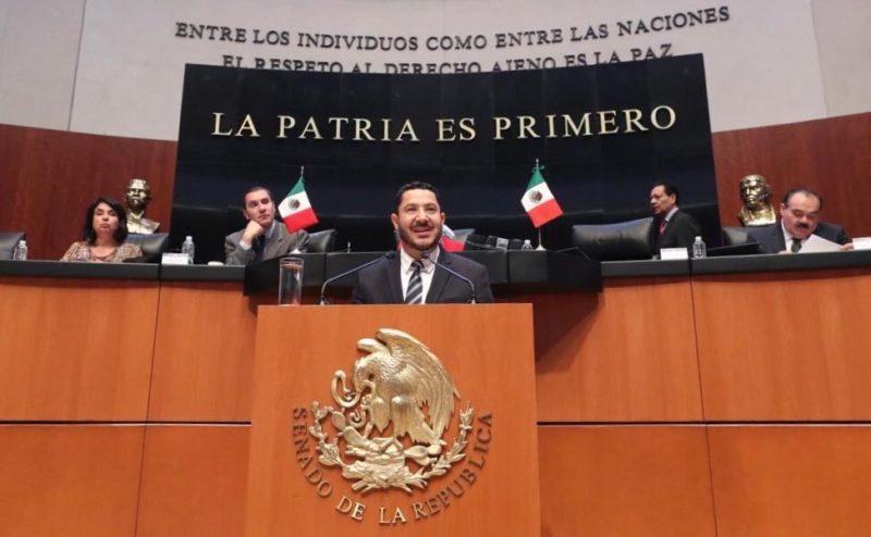 Martí Batres presenta iniciativa para prohibir privatización del agua en México