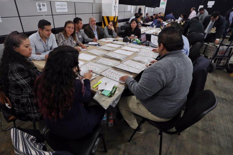 Continúa confrontación PAN-Morena en recuento por Puebla