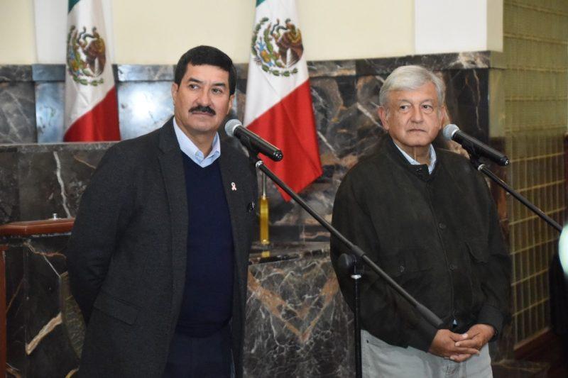 En Chihuahua AMLO ofrece tramitar extradición de César Duarte