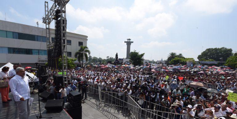 Derrotado en dos ocasiones como candidato al gobierno de Tabasco y a la Presidencia de la República, AMLO afirma que en la adversidad el pueblo lo ha ayudado a levantarse