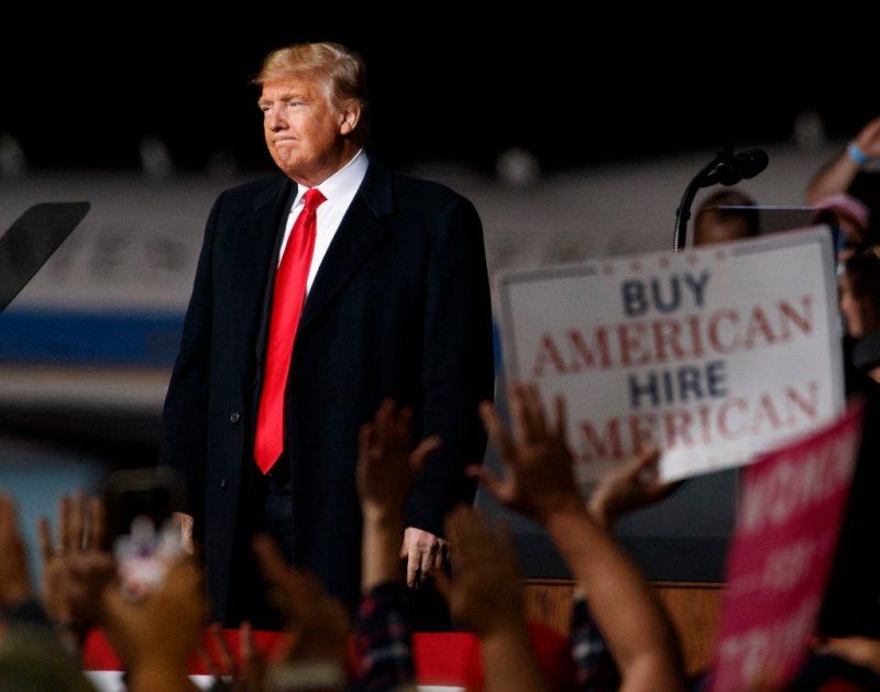 """Trump """"alienta"""" violencia contra los medios: corresponsales"""