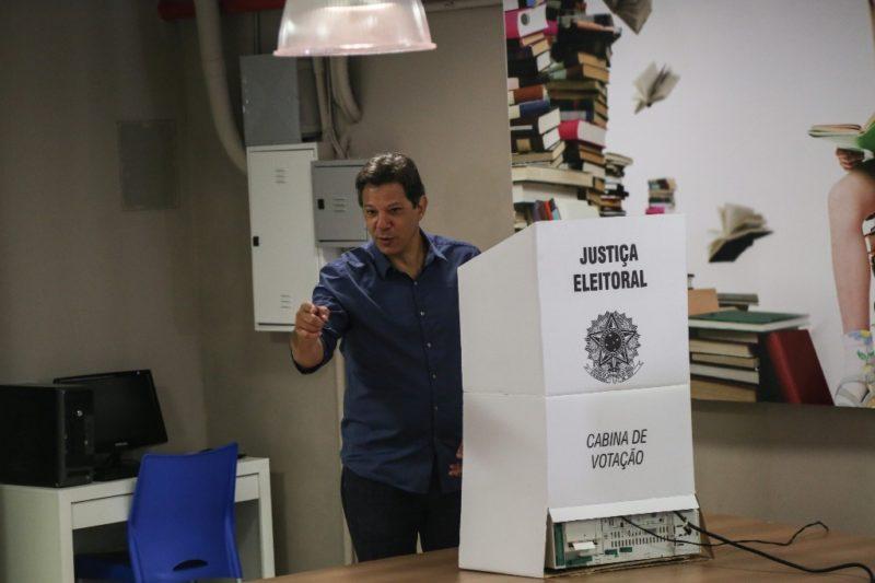 El derechista Balsonero, favorito para ganar eleccciones presidenciales de Brasil este domingo