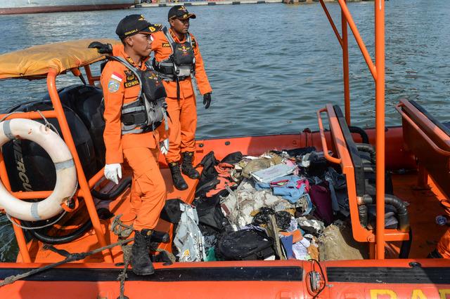 Boeing 737 al mar: los 189 ocupantes pudieron haber muerto, en Indonesia