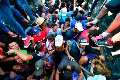 ¿Quiénes están detrás del éxodo de migrantes hacia EU?