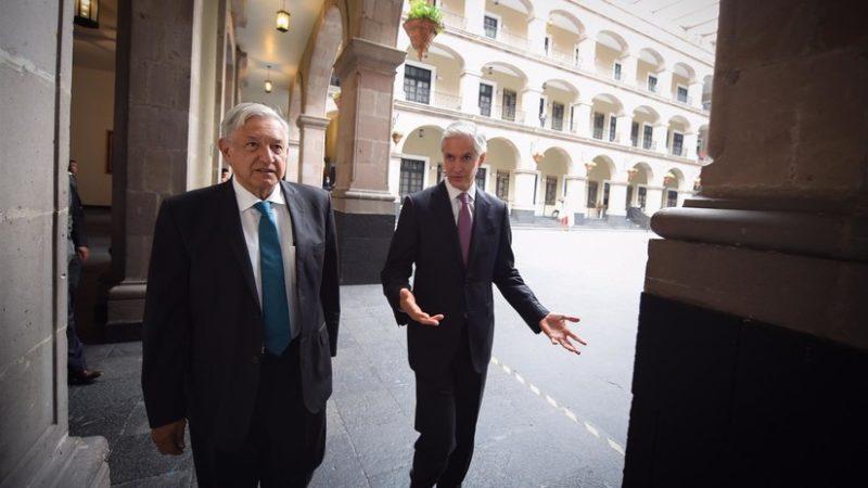 López Obrador anuncia que Ejército y Marina tendrán 50.000 elementos más