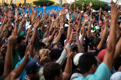 Rechazan migrantes plan para retenerlos en Oaxaca y Chiapas