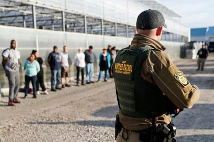 Al alza, suicidios de inmigrantes encarcelados en EU