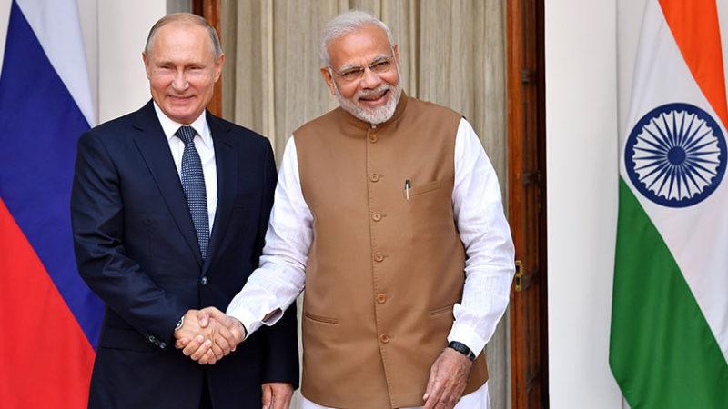 Rusia vende a India sistemas antiaéreos y suscriben acuerdo en materia espacial