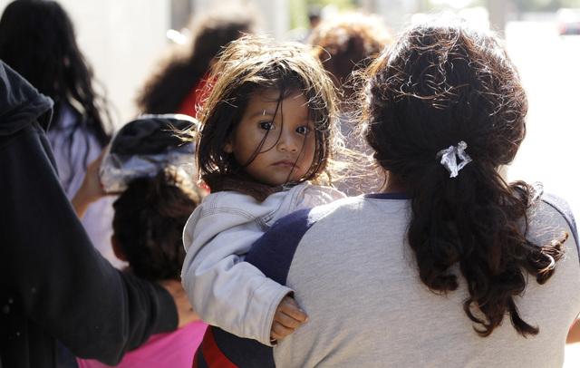 Ordenan al gobierno mexicano a informar sobre familias separadas en EU