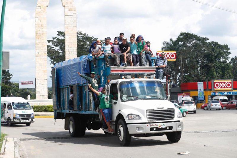 EU sólo atenderá a miembros de la caravana migrante que hayan solicitado asilo en México, expresa Trump