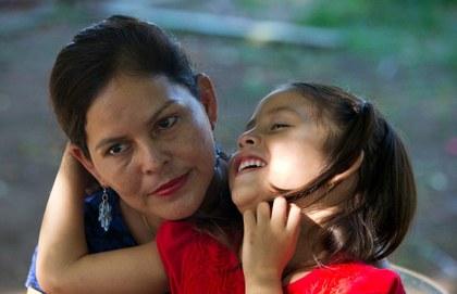 Padres deportados de EU pueden perder custodia de hijos