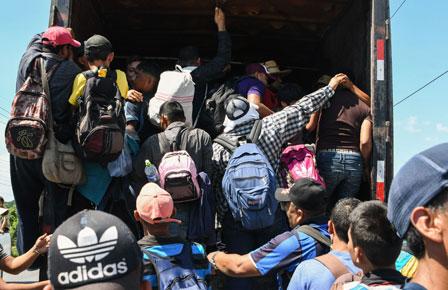 Se dirige a EU caravana de más de 2 mil hondureños