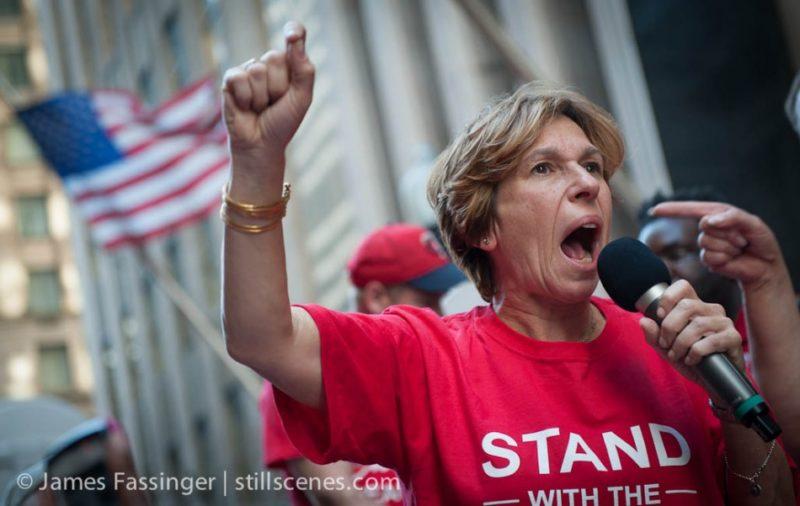Trump y Betsy DeVos equiparan creciente antisemitismo en EU y universidades con la defensa de palestinos, acusan Federación Americana de Maestros y Asociación Americana de Profesores Universitarios