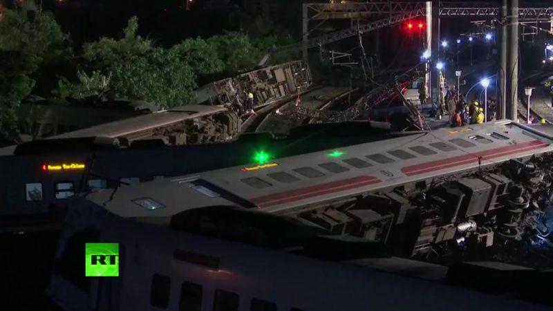 Videos: Al menos 18 muertos y 178 heridos al descarrilar un tren en Taiwán