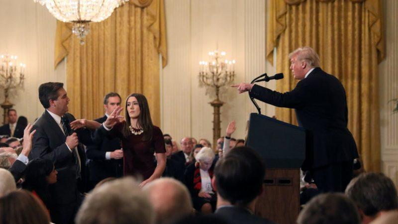 Videos: La CNN demanda a Trump por impedir el acceso a la Casa Blanca a su corresponsal Jim Acosta, quien lo cuestionó sobre manejo político de caravana de migrantes centroamericanos