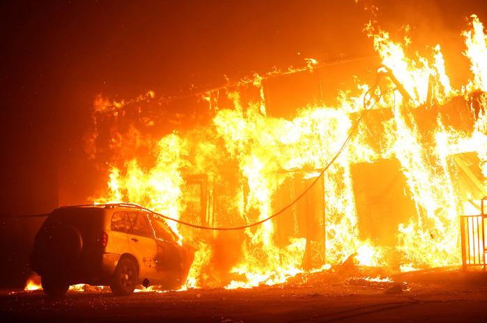 Videos: Estado de emergencia por 6 incendios en el norte: al menos 9 muertos, 40 mil evacuados y 8 mil hectáreas afectadas