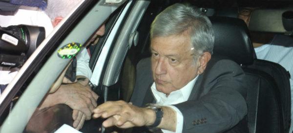"""'Proceso' responde a AMLO: """"rechazamos el vituperio, indigno de un hombre de Estado"""""""