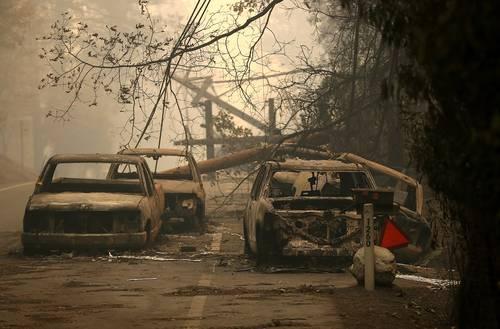 Suman 25 muertos en los peores incendios de California