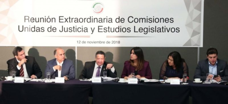 Aprueban senadores dictamen de la Fiscalía General; oposición y colectivos lo rechazan: no garantiza su autonomía