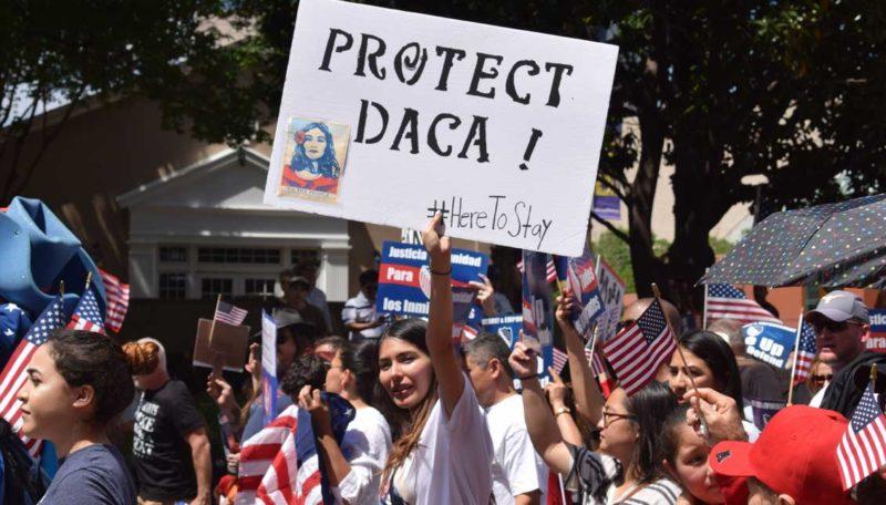 Corte de apelaciones falla en favor de dreamers y contra de Trump: no serán deportados y podrán renovar permisos de DACA y obtener licencias de conducir