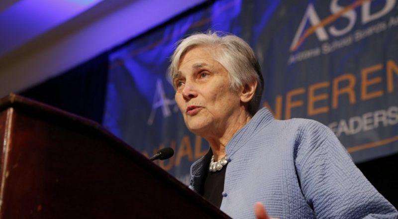 Diane Ravitch exhorta a maestros a mantenerse fuertes ante Beutner y a enseñarle la importancia de la educación pública en una sociedad democrática
