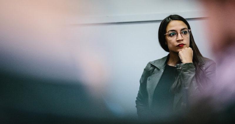 Alexandria Ocasio-Cortez, latina, de izquierda, 29 años, se convierte en la congresista más joven de EU