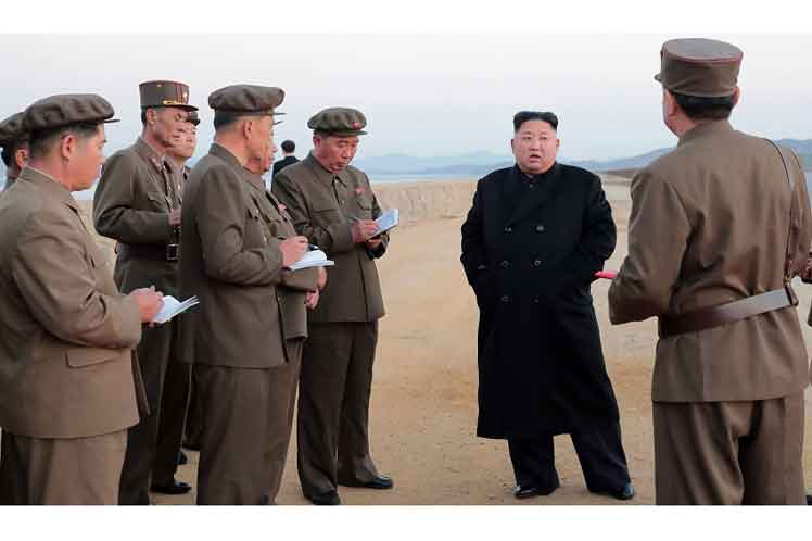 Líder norcoreano inspeccionó prueba de nueva arma estratégica