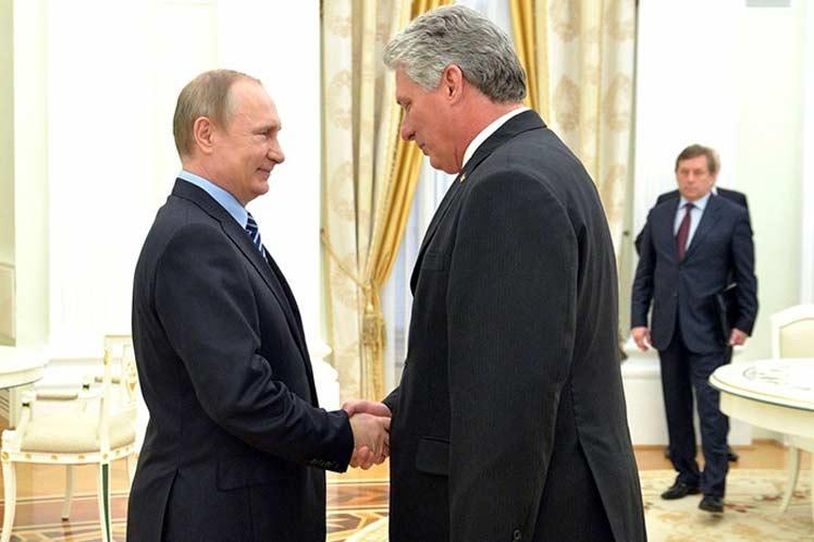 Presidentes de Cuba y Rusia dialogan sobre refuerzo de relaciones