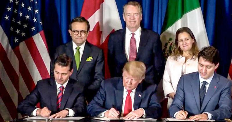 México, EU y Canadá firman T-MEC. Peña se despide con otro clásico: se hace bolas durante el saludo