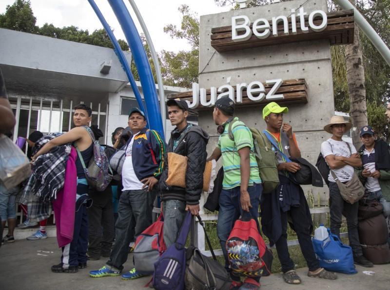 México da el primer pago a inmigrantes centroamericanos y Honduras establece consulado en Tijuana