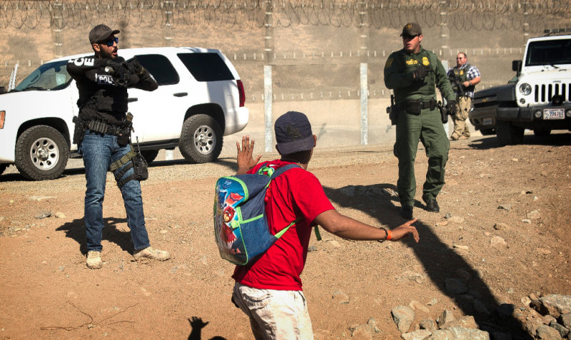 México pide a EU se investigue ataque a migrantes en la frontera