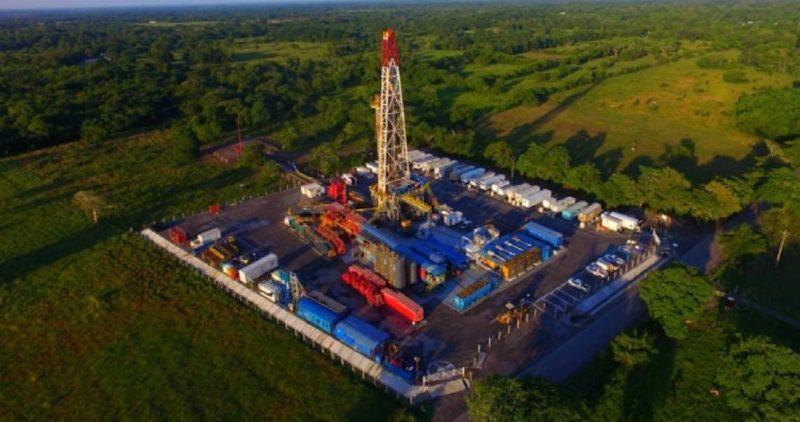 Pemex anuncia el descubrimiento de un yacimiento gigante de petróleo, el más importante en 25 años