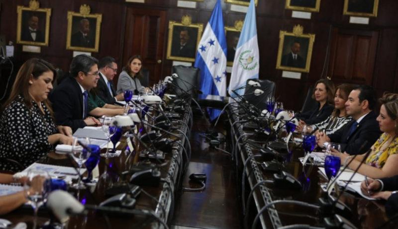 Castigo a responsables de las caravanas con móviles políticos y criminales: presidentes de Honduras y Guatemala