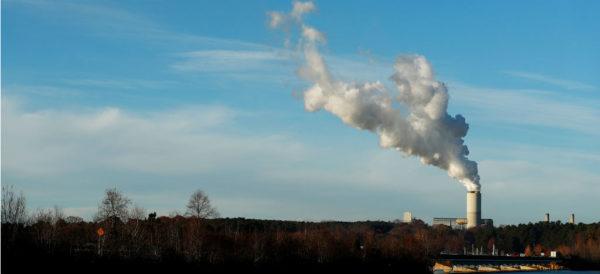 Mueren siete millones de personas al año por aire contaminado: OMS