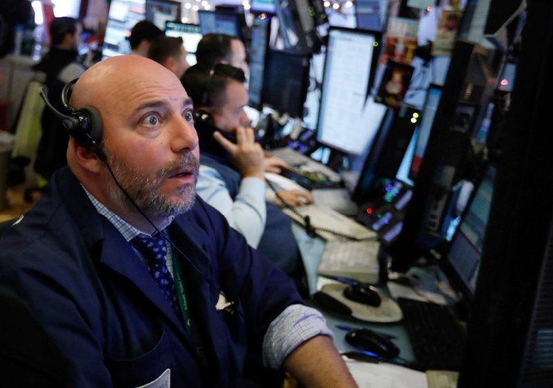 Wall Street se desploma por nerviosismo sobre EU y comercio