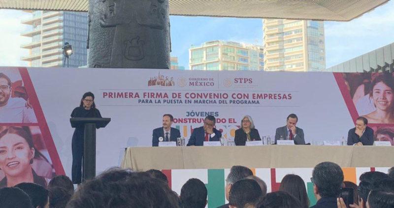 Gobierno de AMLO pone en marcha programa para jóvenes con el apoyo de CCE y Coparmex