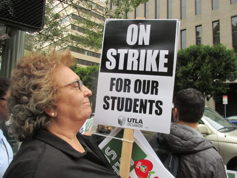 Videos: Maestros angelinos afirman que harán la huelga porque llegaron al límite con tantas agresiones del distrito escolar a la educación pública, a alumnos y a ellos