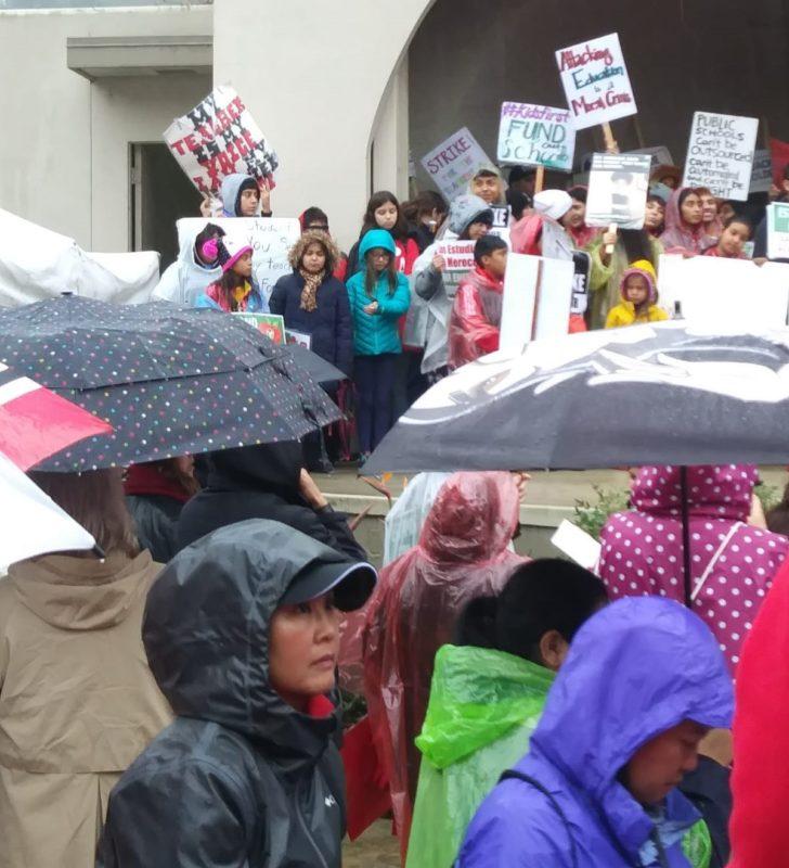 Videos: Este jueves, en el cuarto día de la huelga, el distrito escolar reinicia negociaciones con el sindicato de maestros para lograr un acuerdo