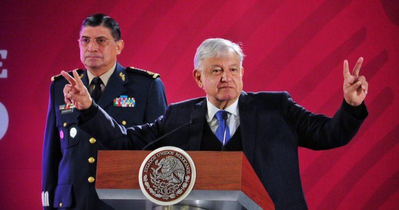 """Respeto al Ejército Zapatista y a los críticos, pero no voy a quedarme callado, """"no soy una barra de hielo"""": AMLO"""