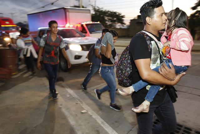 Nueva caravana migrante parte de Honduras hacia EU