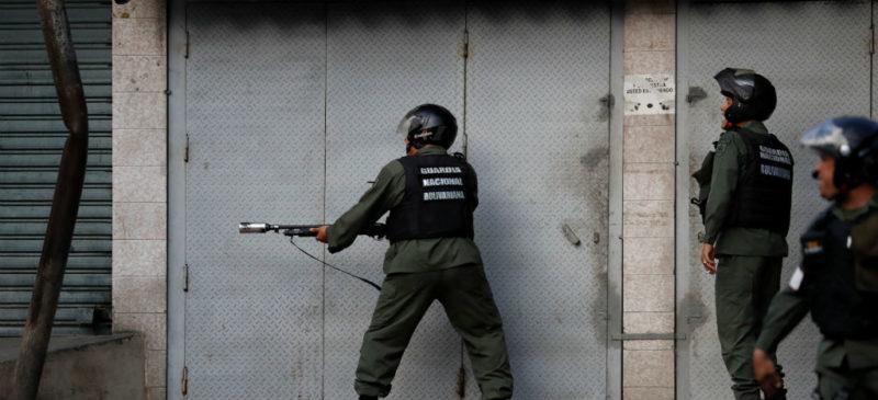 Fuerza Armada de Venezuela detiene a militares sublevados contra Maduro