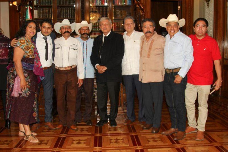 Reunión de AMLO y familiares de Zapata, previo a centenario luctuoso