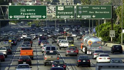 Proyectan cobrar a conductores de vehículos cuando entren a zonas congestionadas en Los Angeles