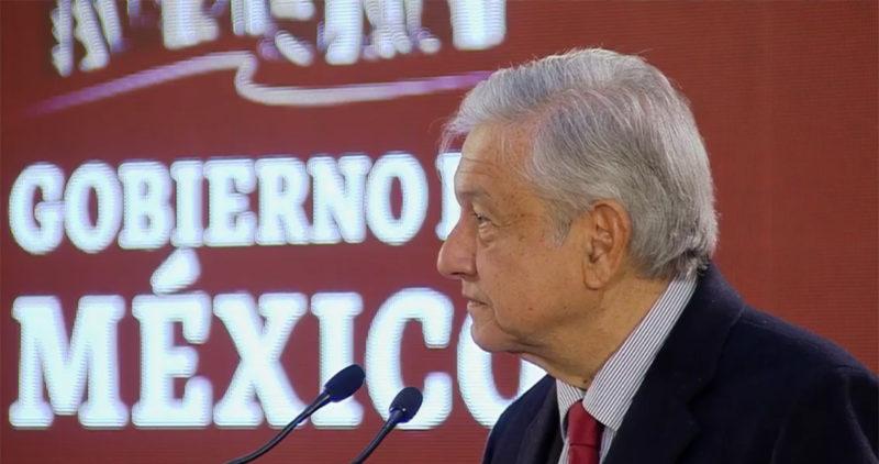AMLO revela que Gobierno de Peña Nieto esfumó hasta 1,400 millones en compra de 700 pipas. Se investiga