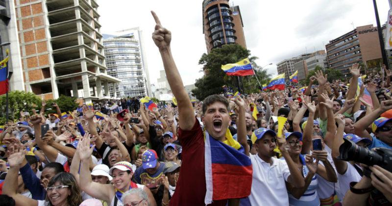 El Gobierno de México está dispuesto a mediar en Venezuela si las partes en pugna lo solicitan: AMLO